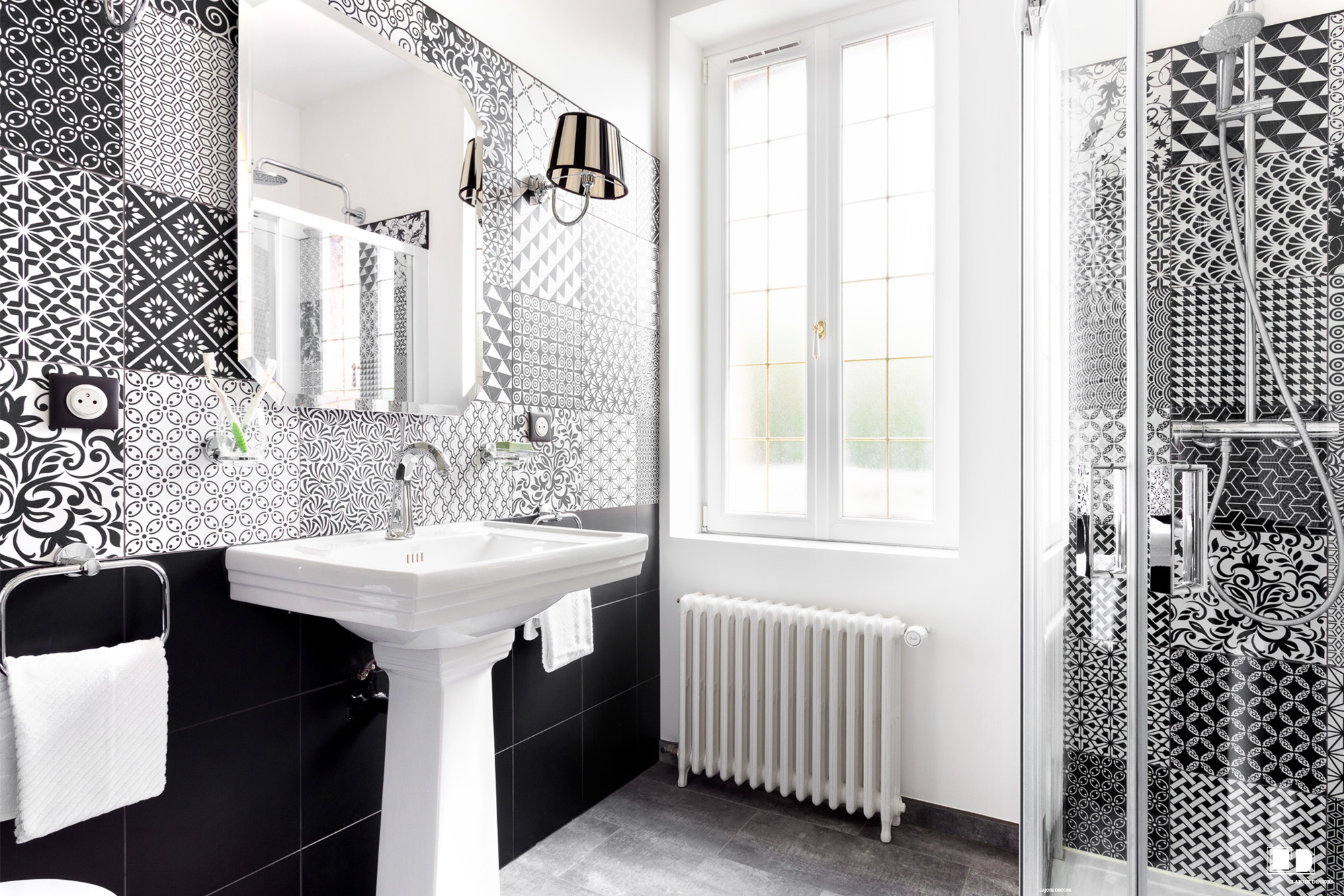 salle de bain style art d co st just en chauss e lajoie d cors. Black Bedroom Furniture Sets. Home Design Ideas