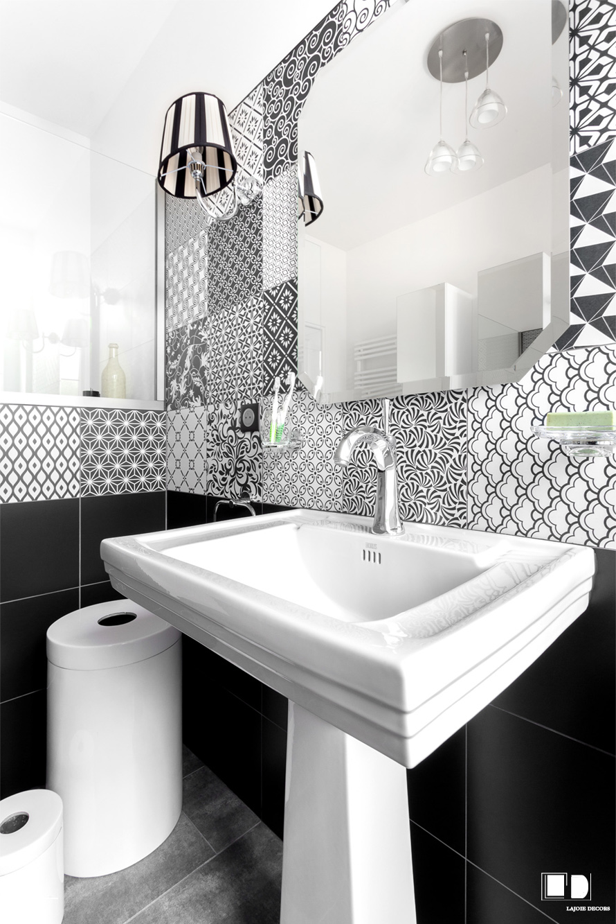 Salle de bain style art d co st just en chauss e for Salle de bain decoration